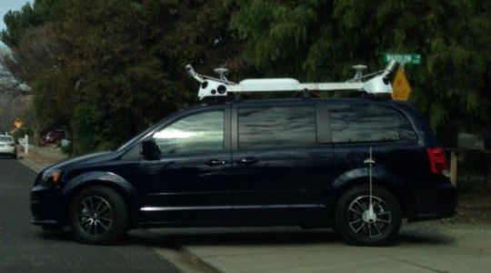 Apple sensor-equipped Minivan spotted by Claycord